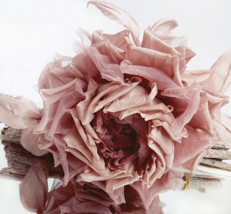 Брошь-заколка роза «Пудровая». Цветы из ткани