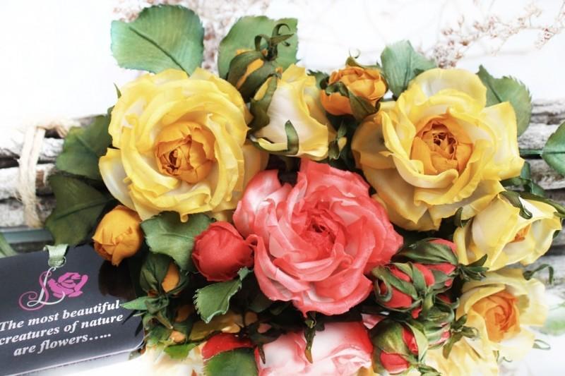 Миниатюрные розочки-бутоньерки «Мармеладки». Цветы из ткани