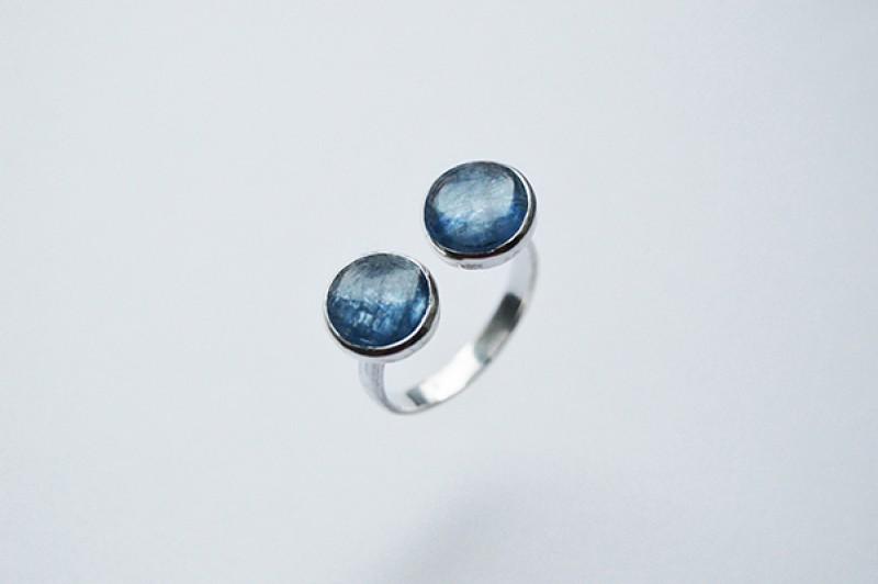 Кольцо с кианитом (серебро)