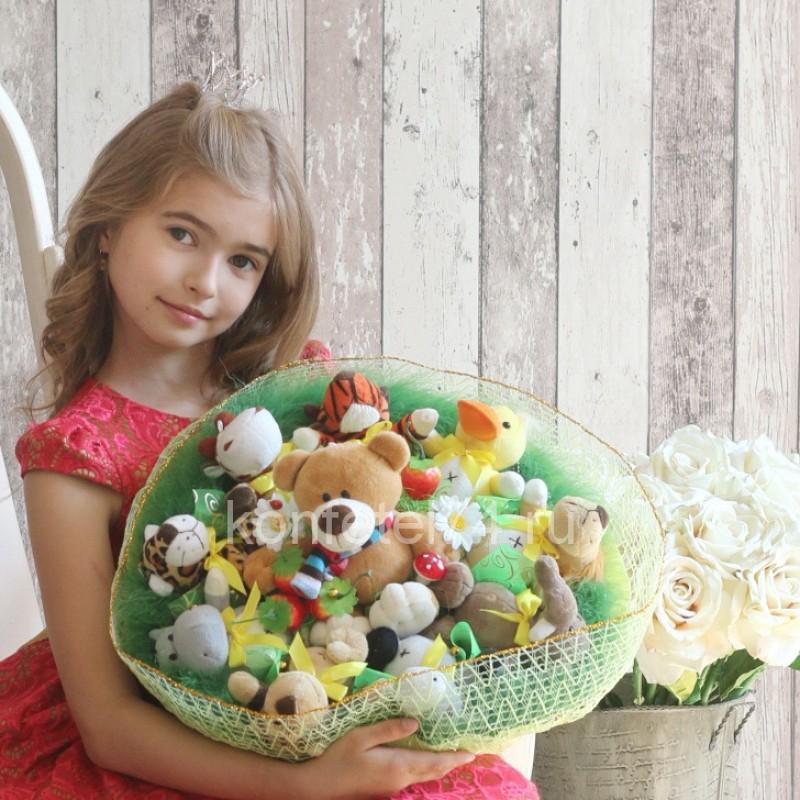 Букет из мягких игрушек Мишка и его друзья