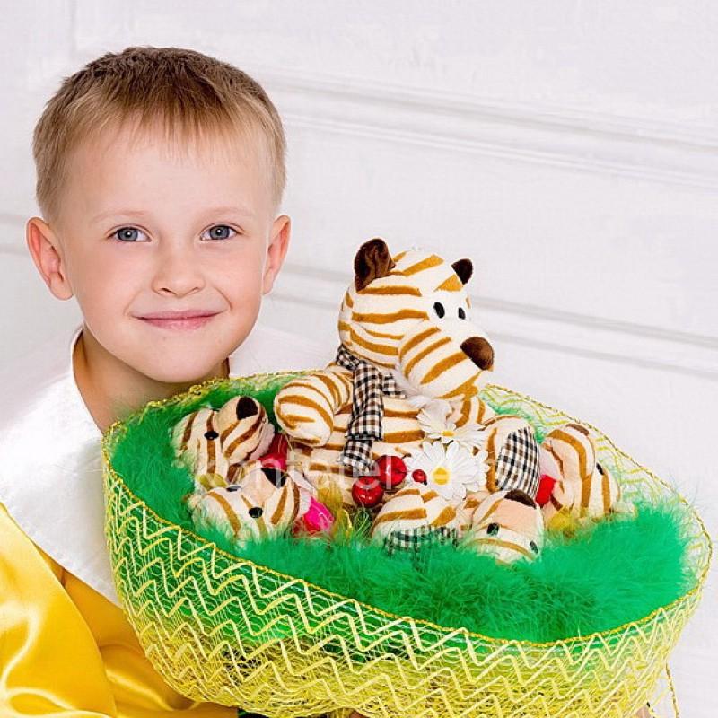 Букет из мягких игрушек Тигрята