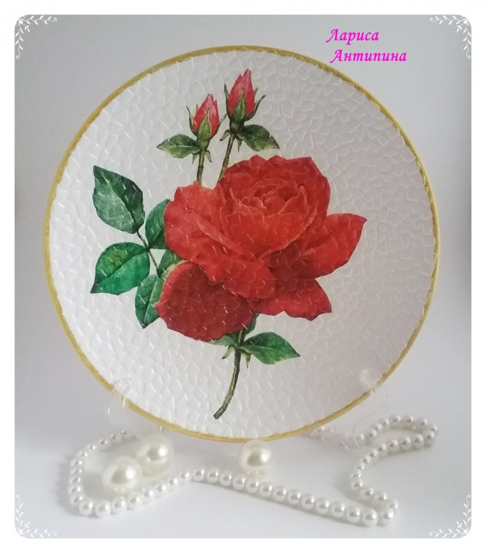 Декоративная тарелка Алые розы