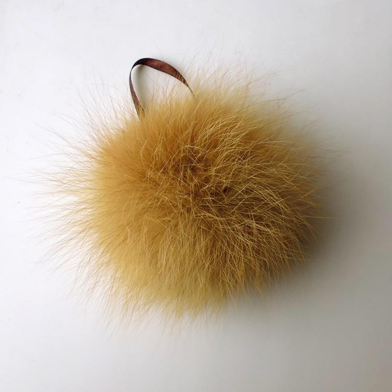 помпон из натурального меха лисы рыжей