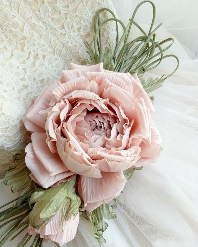 Брошь - заколка пион «Пудровый». Цветы из ткани