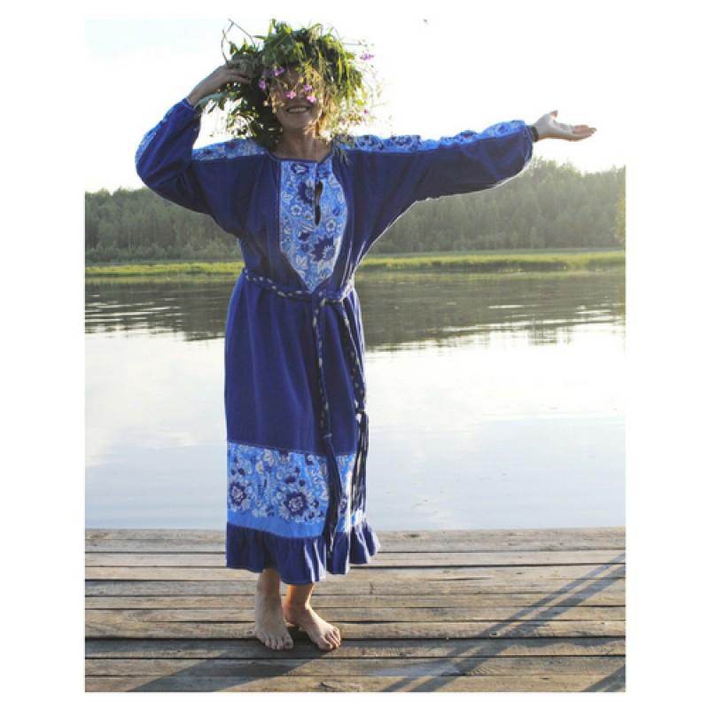 Платье в традиционном русском стиле