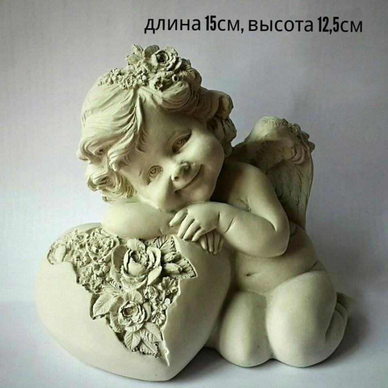 Статуэтка Ангел с цветочным сердцем