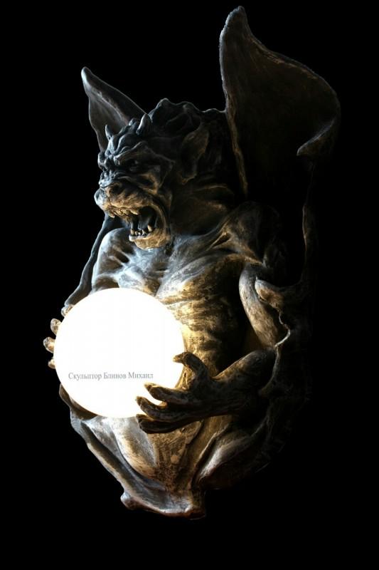 Готическая скульптура Горгулья