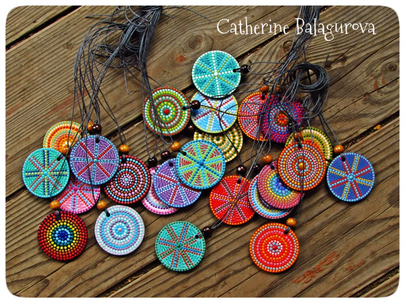 Кулоны-подвески круглые деревянные