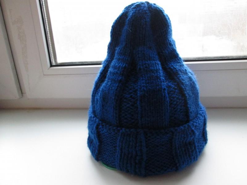 Женская вязаная шапочка из шерсти,связанная резинкой с отворотом. Модель Тыковка.Цвет ярко-синий.Размер 56-58