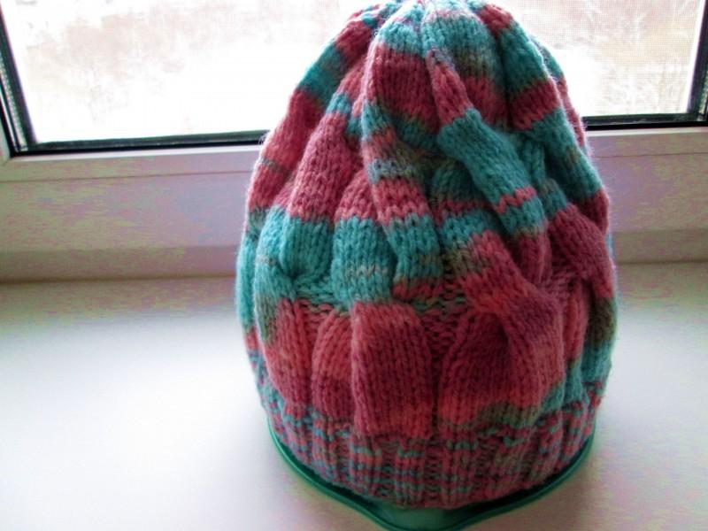 Вязаная шапочка из шерсти секционного крашения с косами. МодельРадуга. Теплая,бини,яркого цвета.Размер. 56-58