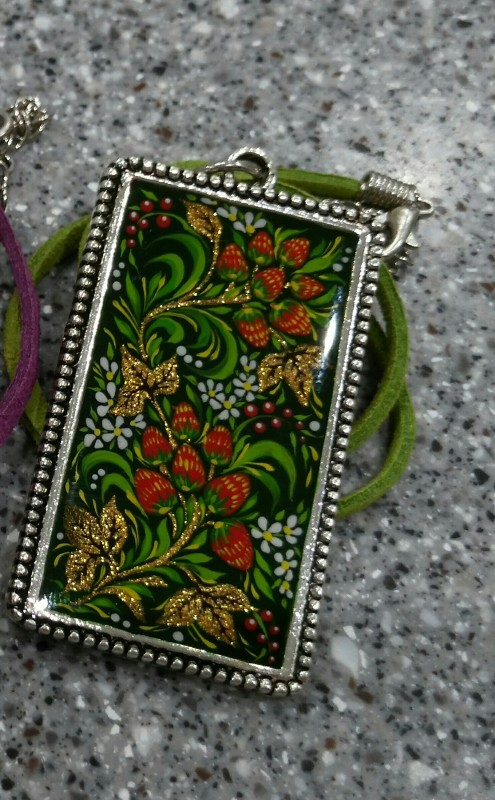 ПодвескаХохломская ягода