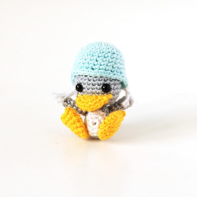 Вязаная игрушка пингвин амигуруми