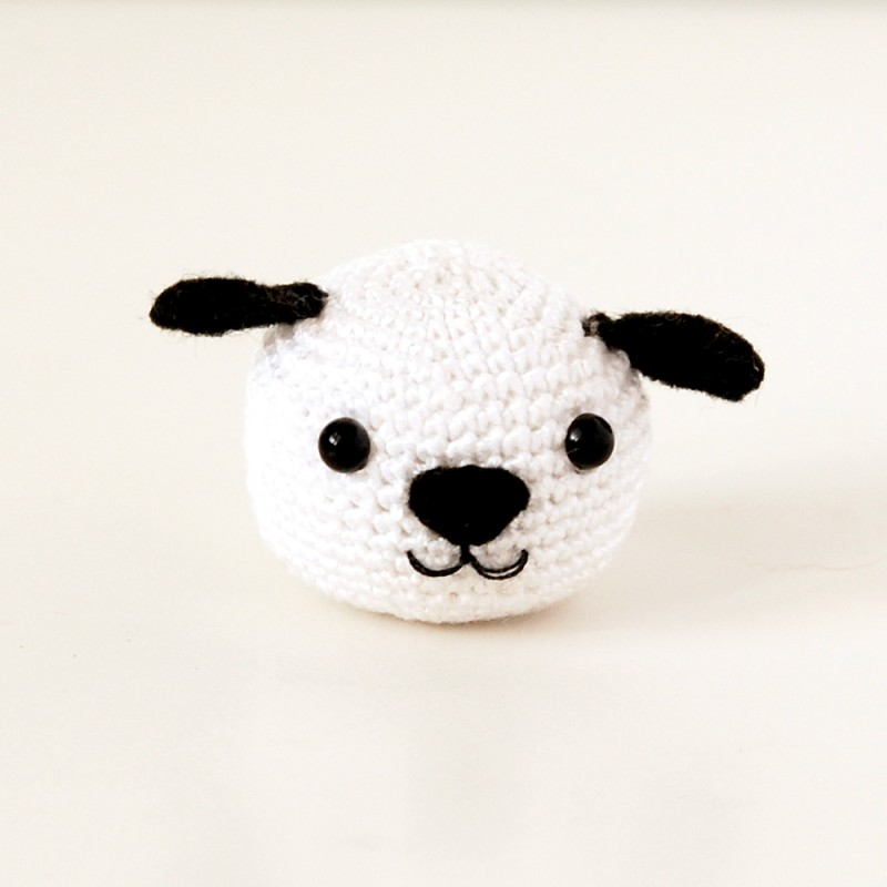 Вязаная игрушка собачка амигуруми