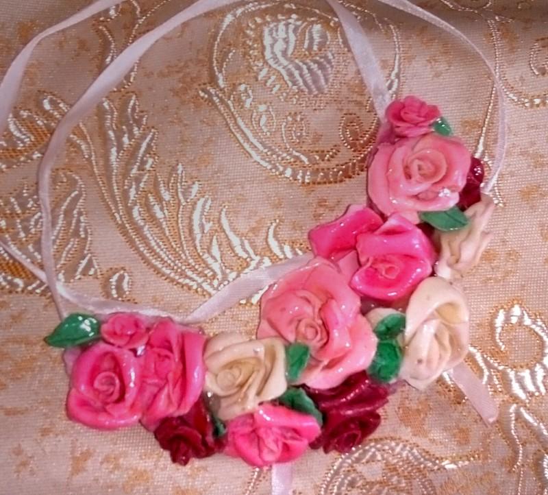 Украшение из холодного фарфора нежные розы