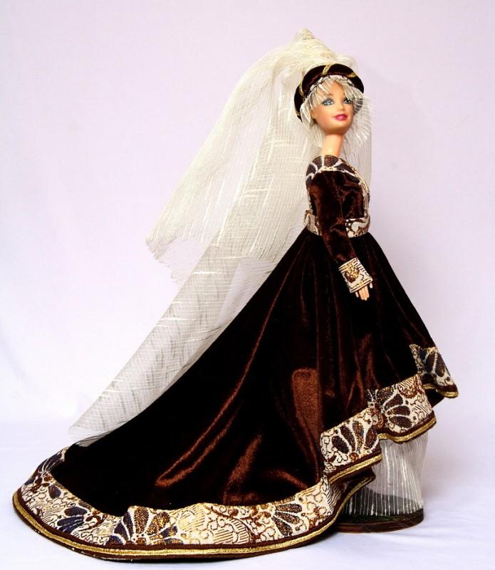 Исторический костюм на кукле БарбиГОТИКА   ЕвропаXII- XVI века