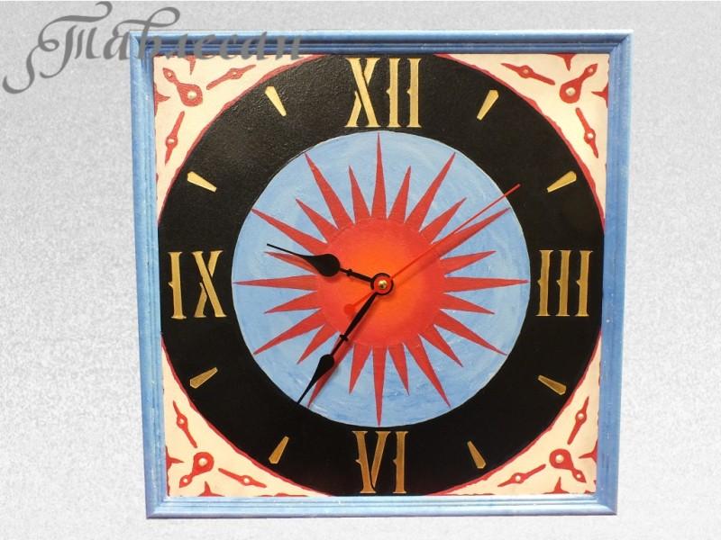 Часы настенные Бьют часы на старой башне