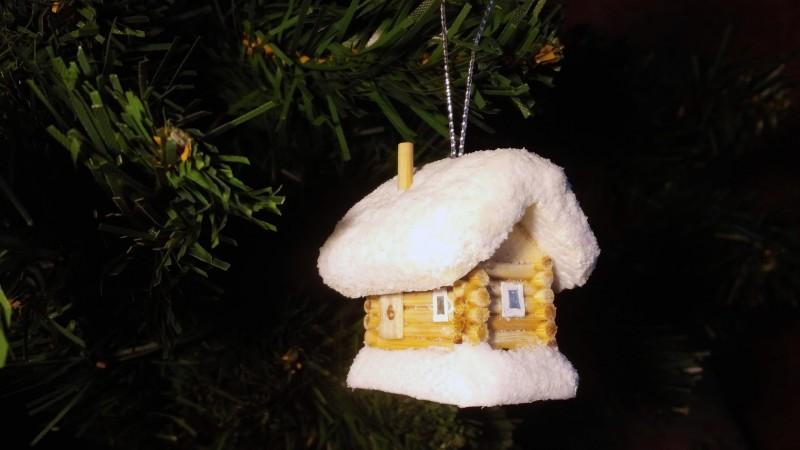 Ёлочная игрушка Заснеженный домик
