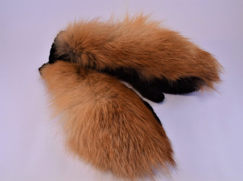 Варежки вязанные с отделкой натуральным мехом
