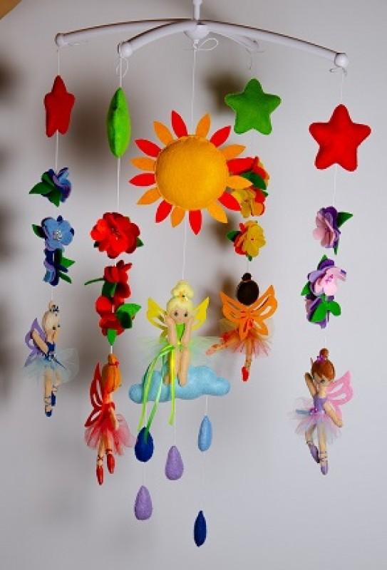 Мобиль для детской из фетра Цветочные феи