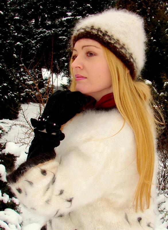 Шапка женская вязанная «Теплое Обаяние 3» из собачьей шерсти