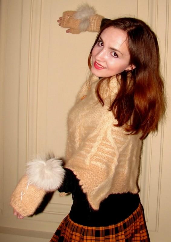 Пелерина «Боярыня» ручного вязания кашемировая  из собачьей шерсти  .