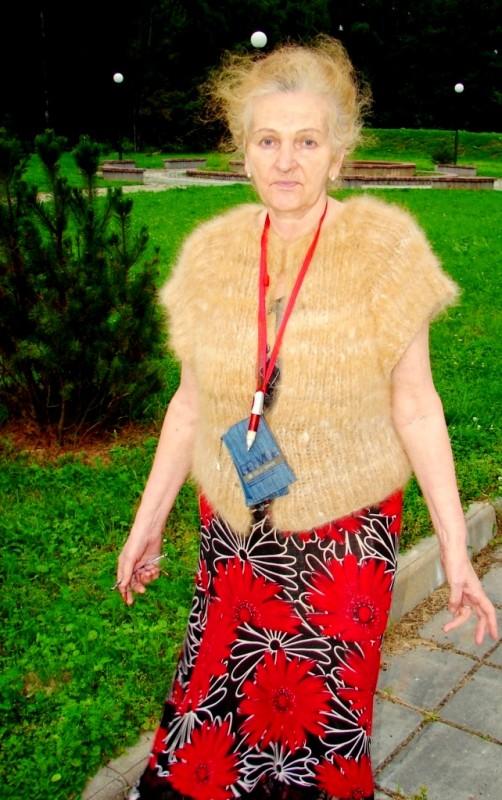 Кофта женская  вязанная  «Рыжик» из собачьей шерсти.