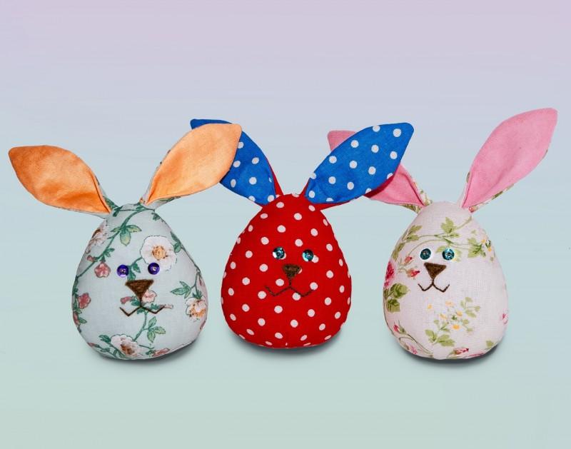 Пасхальные кролики-яйца