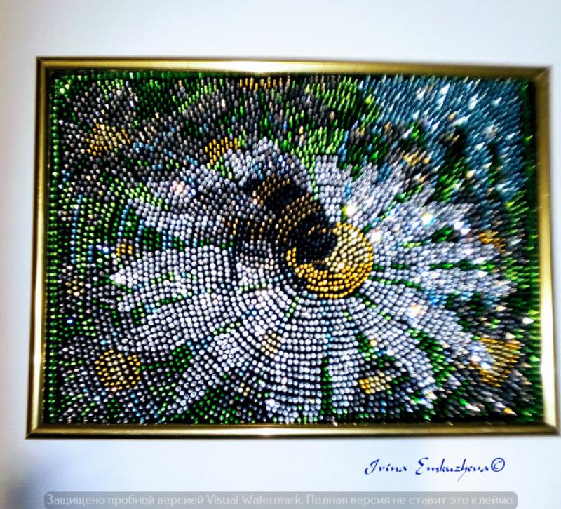 Картина стразами Шмель и ромашка