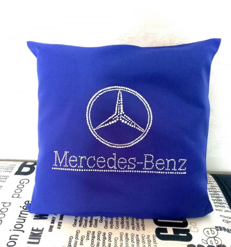 Декоративная подушка для автомобиля, инкрустированная стразами