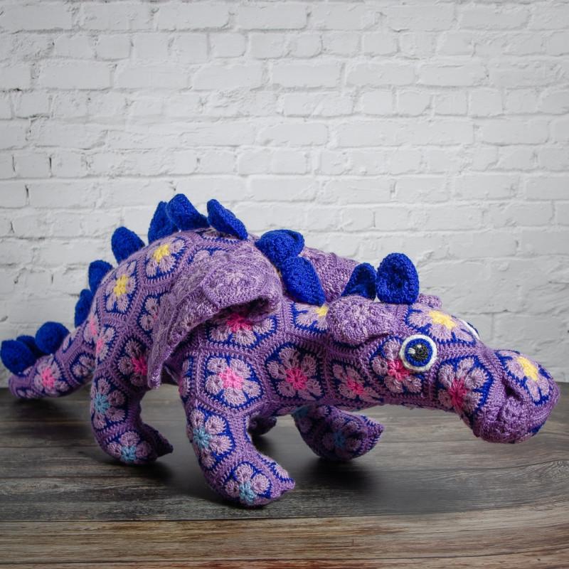 Вязаная игрушка Сиреневый дракон