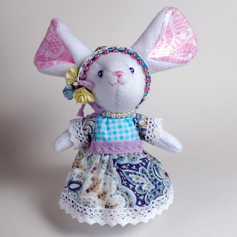 Интерьерная игрушка Белая Мышка