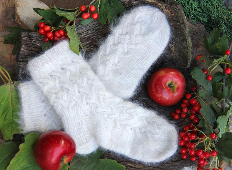 Ажурные носочки из собачьей шерсти.