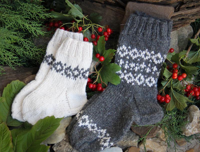 Комплект - носочки для мамы и малыша в деревенском стиле