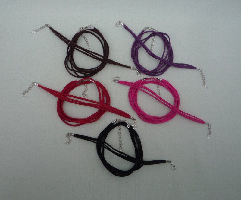 Бархатный шнурок с браслетом (3-х рядные) 1 комл. (5 цветов)