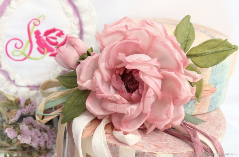 Брошь роза «Фея». Цветы из ткани