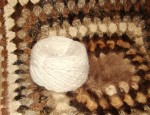 Пряжа «Белый Пушистик микс2» ручного прядения для ручного  вязания