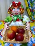 Кукла с хлебницей.