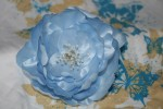Фантазийный цветок из ткани.