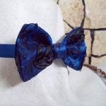 Галстук бабочка из синей тафты расшитая