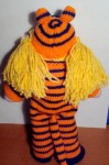 Вязаная кукла в наряде тигра