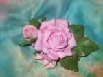Брошь-букет  с  розами  из  фоамирана