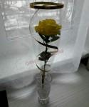Сладкий комплимент в виде розы с леденцом