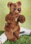 Бурый мишка в стиле натюр.