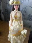 Кукла- шкатулка, выполнена в стиле канзаши