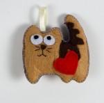 Котики с сердечком