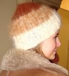 Шапка вязанная «Новогодний Капучино» из собачьей шерсти.