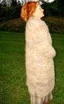 Пальто «Зима»  вязанное из пуха кавказца .
