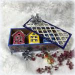 Домики-подвески в шкатулке. Разноцветные.Новогодние